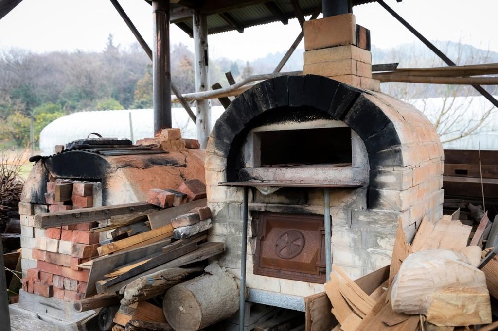 農作業体験と旬の地野菜を使った石窯ピザづくり体験